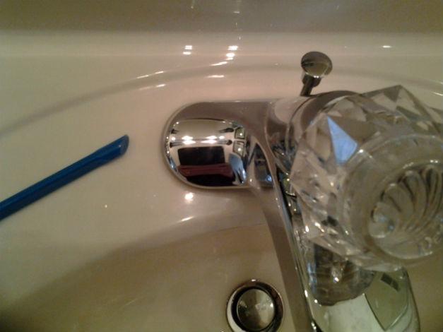 Bathroom faucet and Scrigit