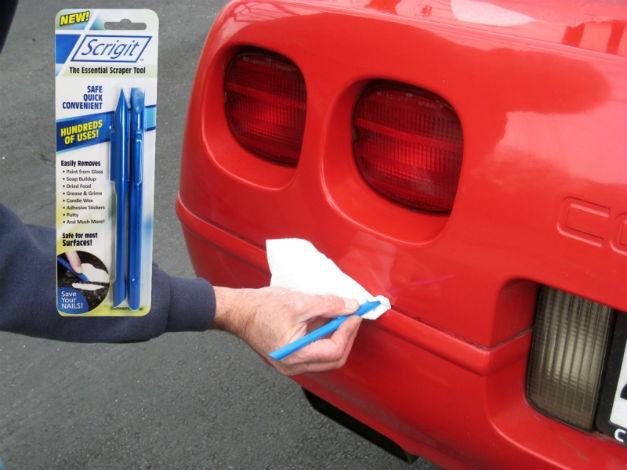 Scrigit Scraper cleaning car