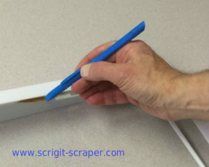 Scrigit cleaning shelf seam